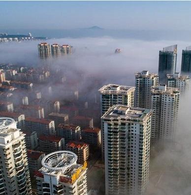 山东烟台出现平流雾景观