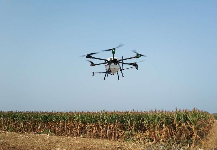 科技创造未来--雷沃D系列遥控多旋翼植保无人机