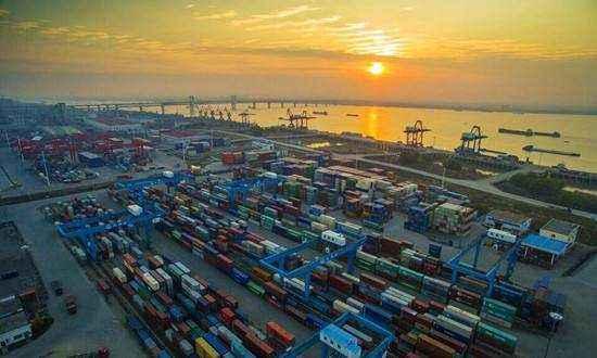 前11个月山东省外贸进出口1.75万亿