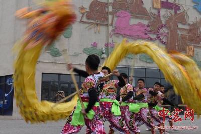 """济南市第十六届民族文化艺术展演在""""印象济南""""开演"""
