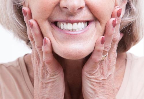 老年人适不适合种植牙,谁说了算?