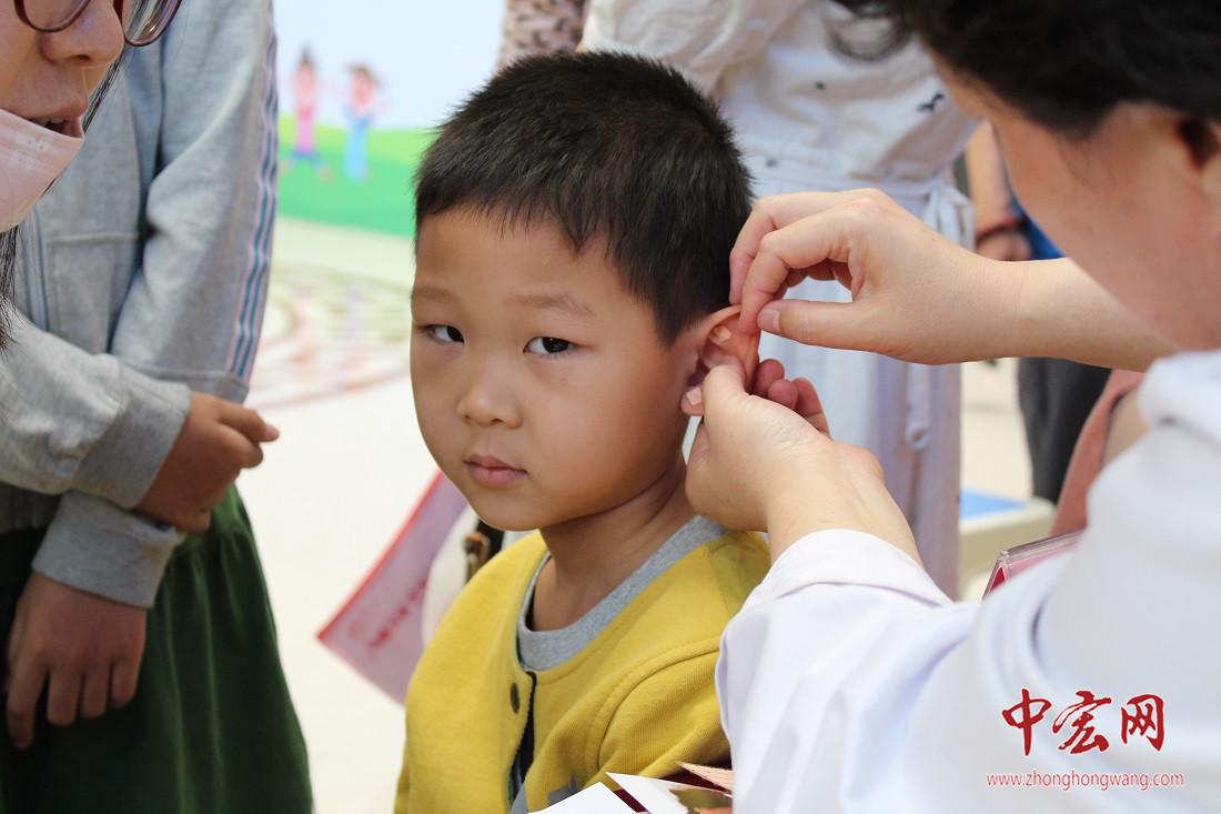 山东小儿推拿近视防控基地义诊在山东省中医院正式启动