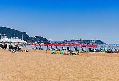 迎旅游旺季 威海国际海水浴场环海路段限时单行