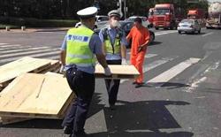 中秋节期间,青岛交警出动7650余人 查处交通违法行为11591起