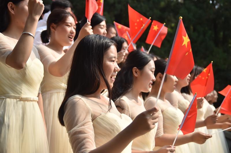 大学生合唱团 (2).JPG