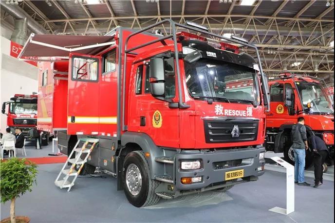 终于等到这一天丨中国重汽反超进口车 闪耀第18届消防展!