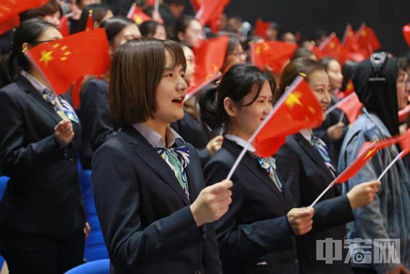 """""""礼赞新中国 奋进新时代""""庆祝新中国成立70周年妇女儿童爱国主义歌曲创编征集活动颁奖典礼在济南举行"""