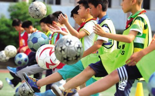 泰安市岱岳区探索校园足球发展新路径