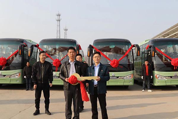 重汽豪沃客车首次进入厦门旅游市场