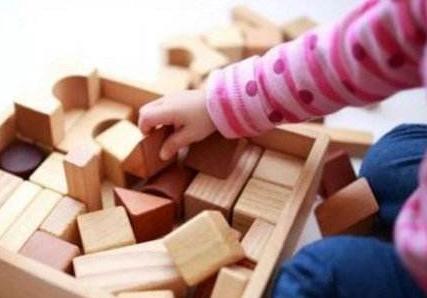 潍坊市加强事实无人抚养儿童保障工作
