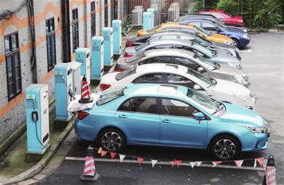 去年中国新能源汽车产销逾120万辆 保持领先地位