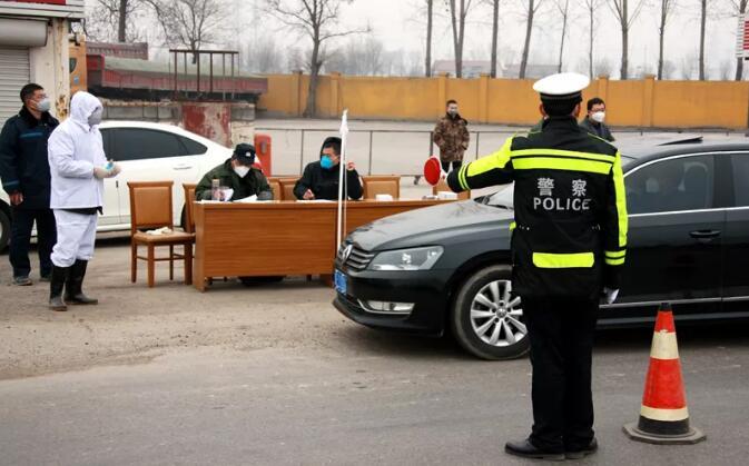 疫情在前,警察不退!东营公安一直都在!