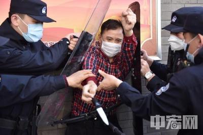 济南市中警方举行反恐处突暨快速反应拉动实战演练