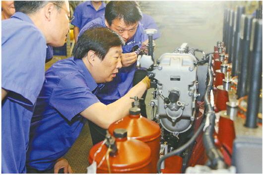 """潍柴在科技创新主战场擎起""""中国制造""""大旗"""