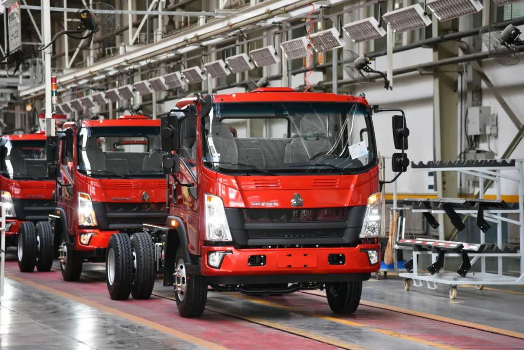 再创新高丨济南轻卡制造部6月份月产突破18000辆