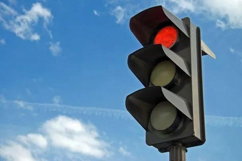 群众呼吁安装信号灯 昌乐交警:单凭几个事故我们就去调研?