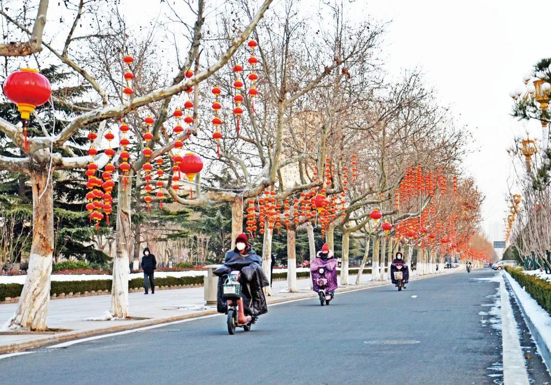 张灯结彩迎新春!烟台开发区打造节日新景观