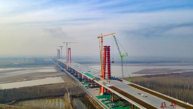 """济南凤凰大桥年底通车,世界""""超级""""交通综合体促进黄河两岸连通"""