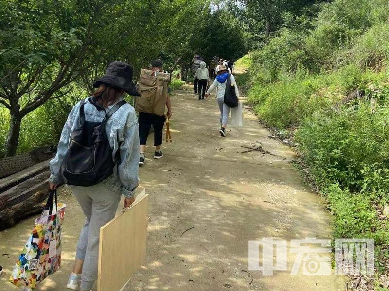 滨州市阳信县40余名美术教师走进沂蒙山